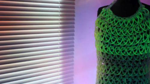 vestido fluorescente
